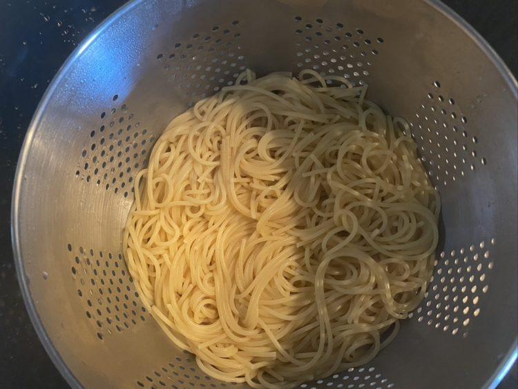 espagueti escurrido