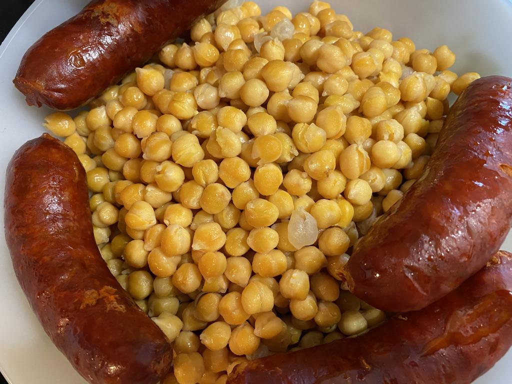 Cocido gallego garbanzos chorizos