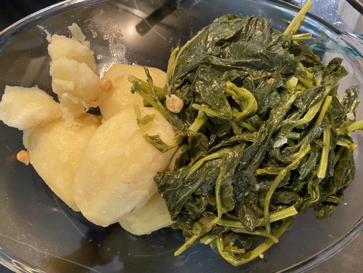 Cocido gallego patatas grelos